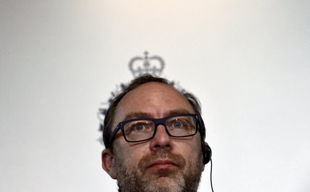 Wikipedia co-founder Jimmy Wales addresses a news conference in Oviedo, northern Spain, October 22, 2015. Wales will be awarded the 2015 Princess of Asturias Award for International Cooperation at a ceremony on Friday in the Asturian capital. The awards are held annually since 1981 to reward scientific, technical, cultural, social and humanitarian work done by individuals, work teams and institutions. REUTERS/Vincent West