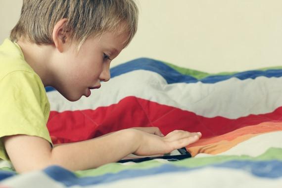 Las anomalías en los sentidos, como en el tacto, la vista, el gusto o el oído, son consideradas como precursoras de los trastornos del espectro autista. (Foto: Fotolia)
