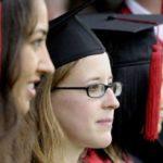¿En qué países te beneficia más tener un título universitario?