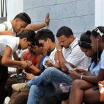 Siete de cada 10 jóvenes tienen acceso a internet en el mundo, según la ONU